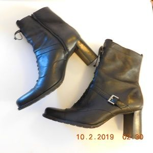 Naturalizer Lace Up Look Leather Boot